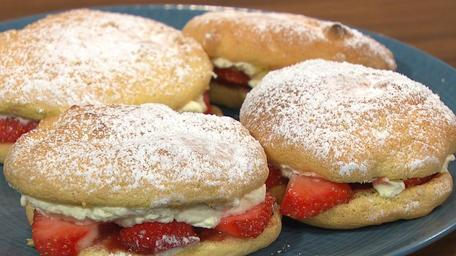 Sponge Drops with Strawberries & Cream
