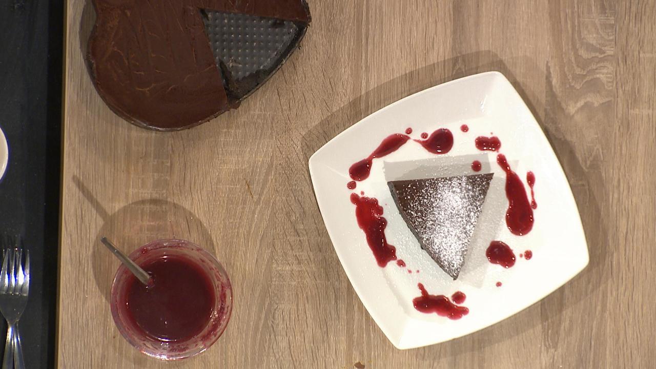 No-Bake Oreo Base Chocolate Tart w/ Fresh Raspberry Coulis
