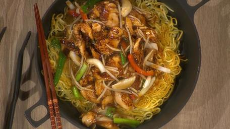 Kwanghi's Chicken Chow Mein on Crispy Egg Noodles