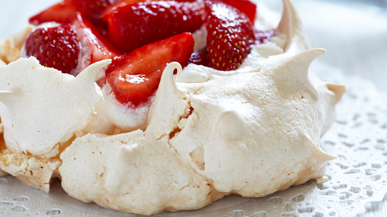 Peach & Strawberry Pavlova