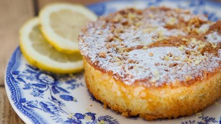Lemon Crumble Cake