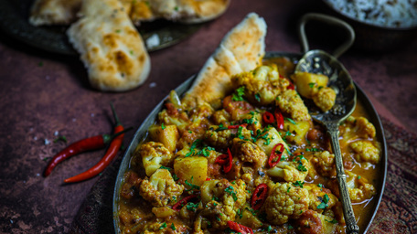 Aloo Gobi (Cauliflower & Potato Curry)