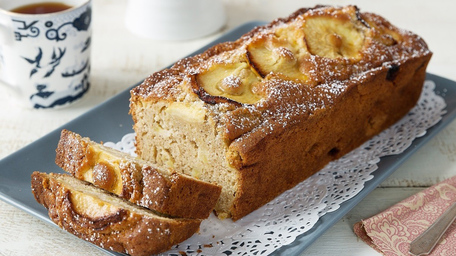 Granny's Apple Cake